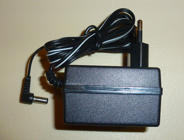 Strujni adapter 6V / 500mA